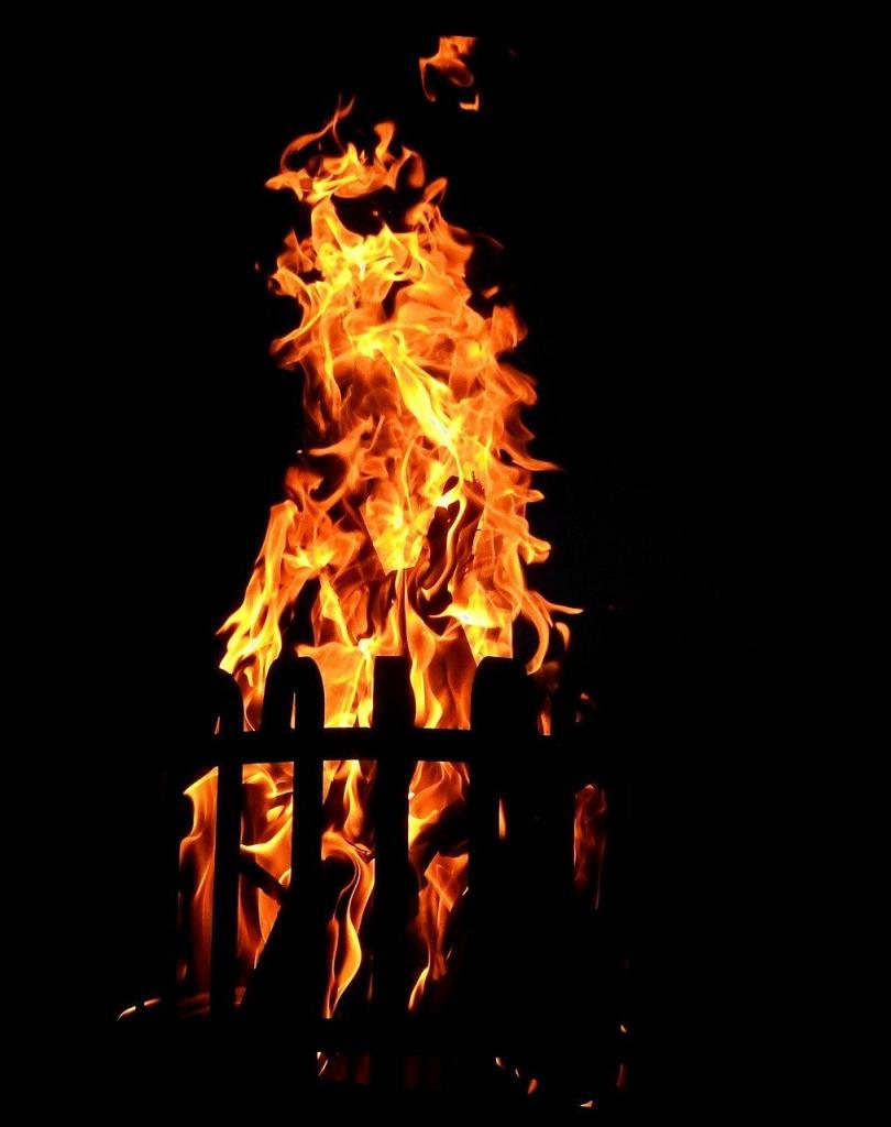 Feuerschalen und Feuerkörbe